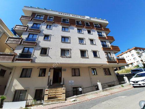 Çekmeköy Hamidiye mah giriş 2+1 Satılık daire