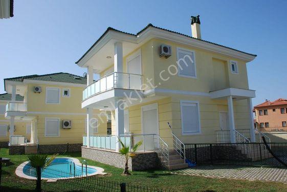 Dalaman Karaçalı Mevkiinde Havuzlu Satılık Villa