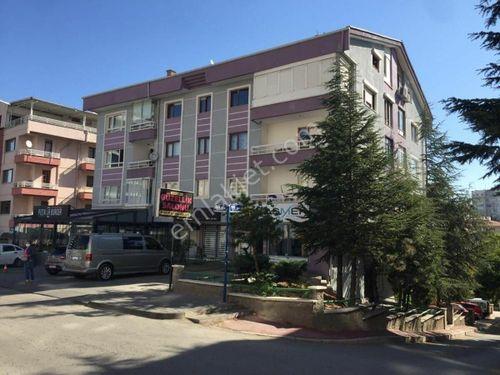 ÖVEÇLER'DE LİZBON CADDESİ İLE KÖŞE, GENİŞ, BAKIMLI, KİLERLİ 3+1