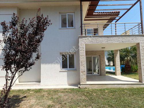 kusadası Guzelcamlıda tek mustakıl Havuzlu 3+1  satılık villa