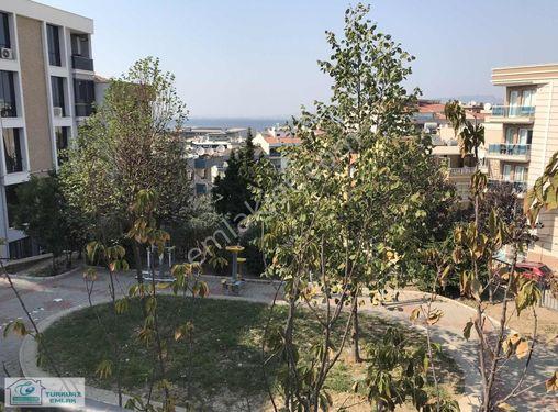 General Kazım Özalp'te Deniz Manzaralı Satılık 3+1 Bakımlı Daire